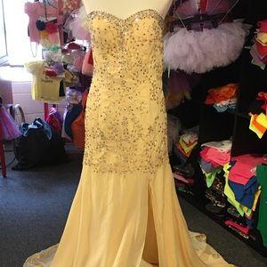 Dresses & Skirts - Prom Dress yellow rhinestones sequins